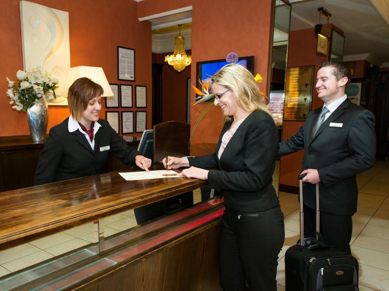 Những điều cần biết khi đặt phòng khách sạn